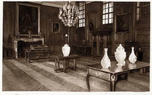 Musée Historique des Hospices civils de Lyon : Salle du Conseil - époque Louis XV.