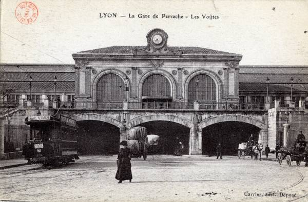 Lyon : La Gare de Perrache ; Les Voûtes