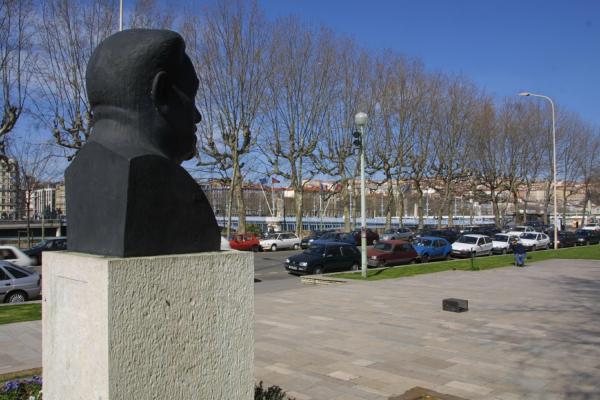 [Square Jussieu : le buste d'Edouard Herriot]