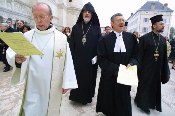 [Rassemblement des églises chrétiennes de Lyon à la basilique de Fourvière]