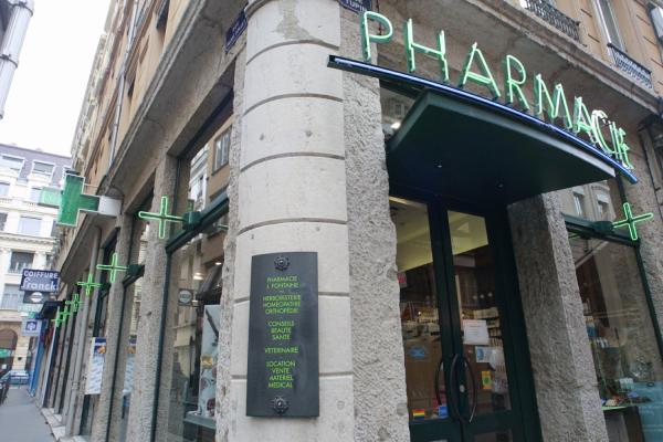 [Pharmacie, 18 rue Palais-Grillet]