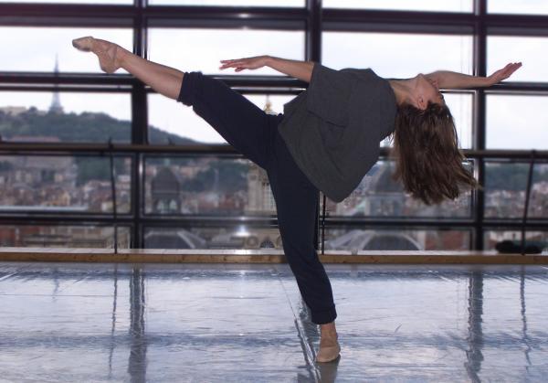 [Maïté Cebrian-Abad, danseuse au ballet de l'Opéra de Lyon]
