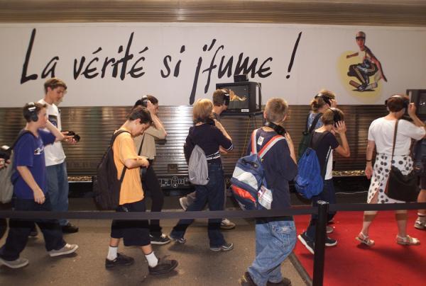 """[Gare de Perrache : Campagne de sensibilisation """"La vérité si j'fume""""]"""