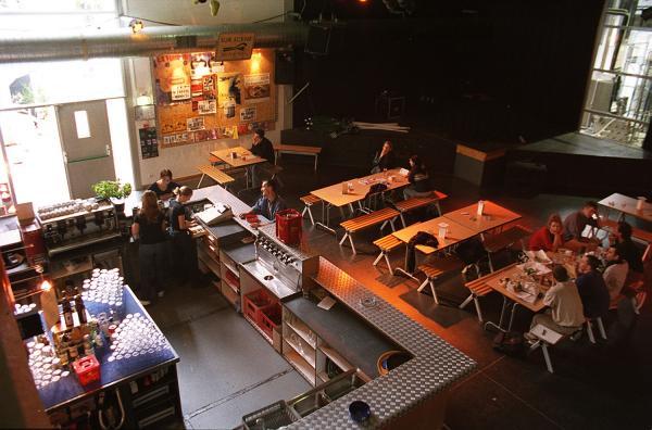Photographes en Rhône-Alpes::[Le Ninkasi Kao, pub-restaurant et ...