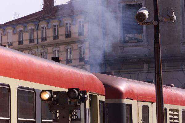 [Trains Express Régionaux en gare de Lyon-Saint-Paul]