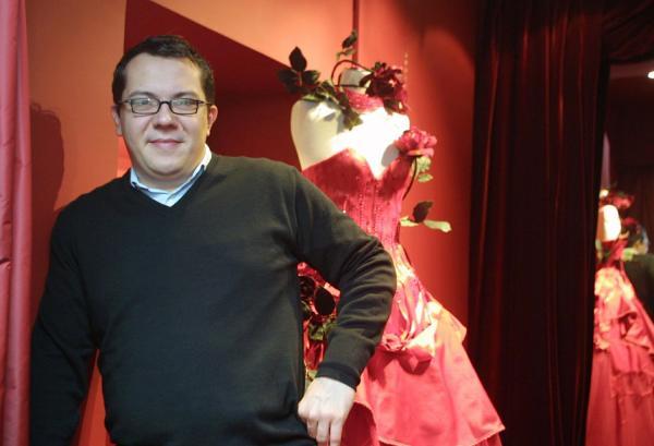 ... en Rhône-Alpes::[Nicolas Fafiotte, créateur de robes de mariées
