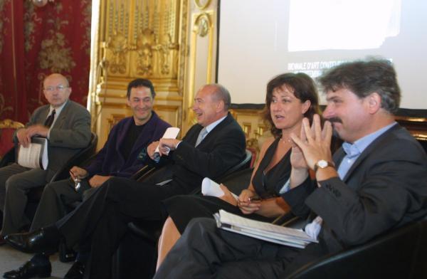 [7e Biennale d'art contemporain de Lyon (2003). Présentation officielle de la manifestation]