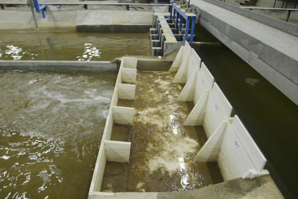 [Port Edouard Herriot : laboratoire d'essais de la Compagnie nationale du Rhône (C.N.R.)]