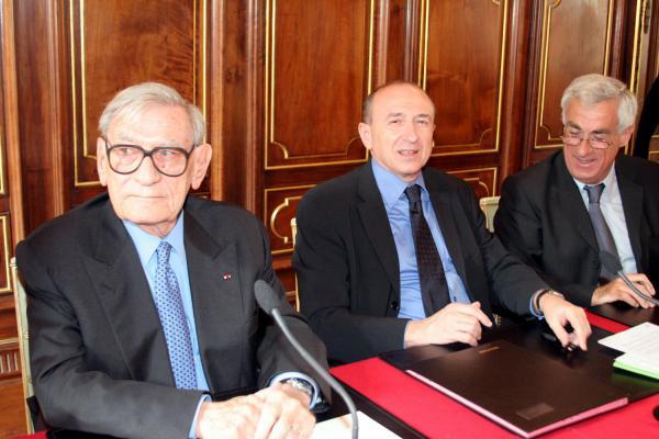 [Ville de Lyon : signature d'une convention avec la fondation Agir contre l'exclusion]
