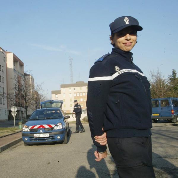 [Nouvelle tenue pour les gendarmes du Rhône]