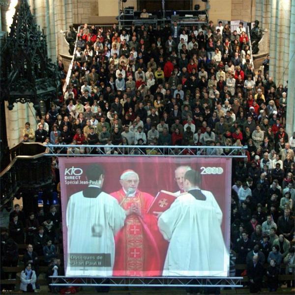 [Décès du souverain pontife Jean-Paul II : retransmission des obsèques à l'église Saint-Nizier]