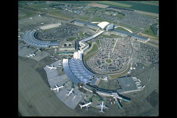 [Aéroport Lyon - Saint-Exupéry]