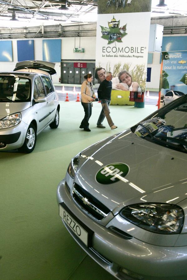 [Salon de l'automobile de Lyon, 2005 : stand Ecomobile]