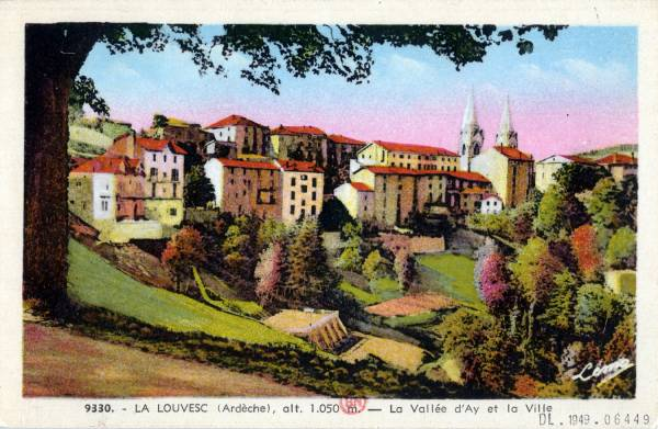 La Louvesc (Ardèche), alt. 1050 m. : La Vallée d'Ay et la Ville.