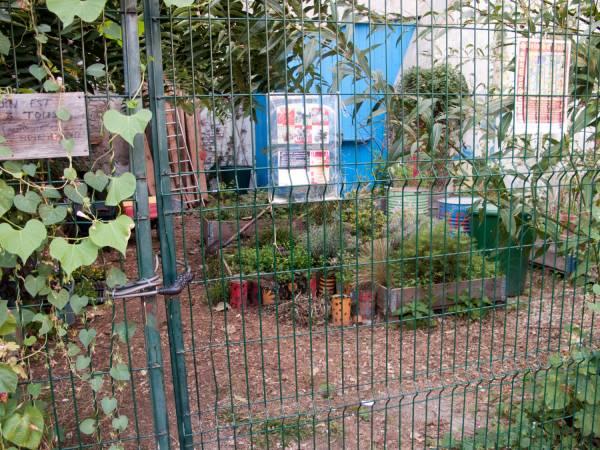 Le jardin nomade Brin d'Guill' : un jardin de quartier partagé