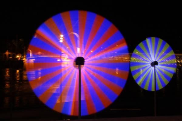 Fête des Lumières 2010 : quai du Général Sarrail passerelle du Collège