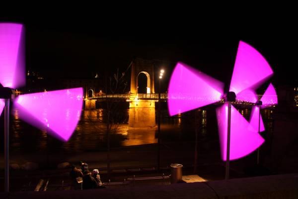 Fête des Lumières 2010 : quai du Général Sarrail, passerelle du Collège