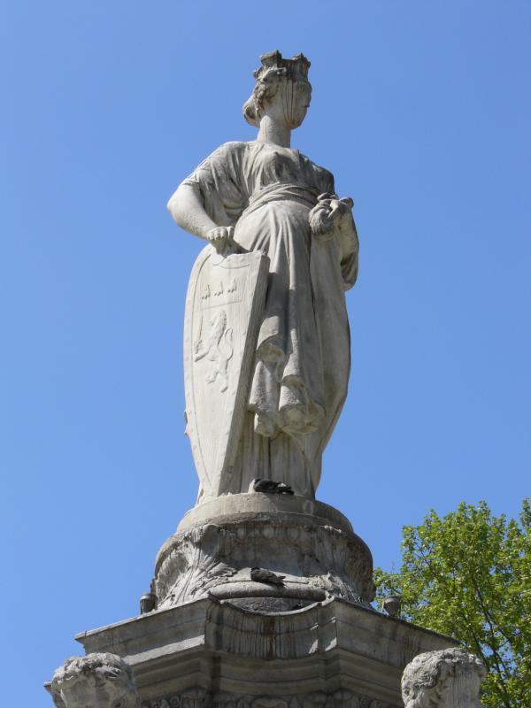 La fontaine Morand sur la place Lyautey : détail