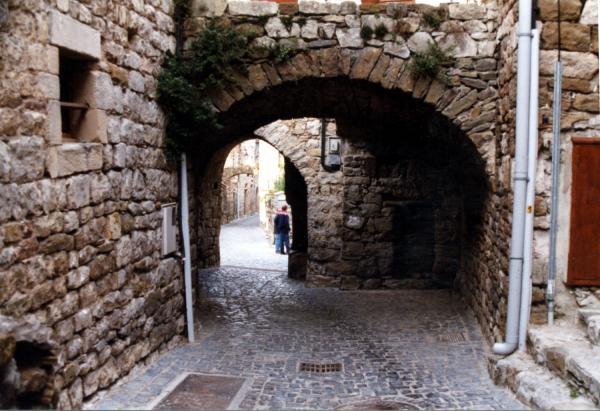Rue de Naves en Ardèche