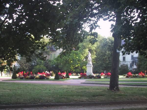 Statue de Bernard de Jussieu, au parc de la Tête d'Or