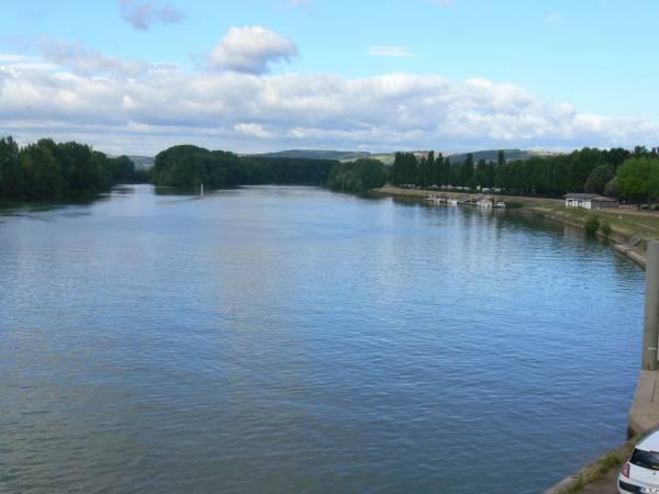 La Saône vue du pont de Trévoux