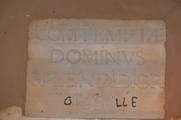 Plaque gravée en latin