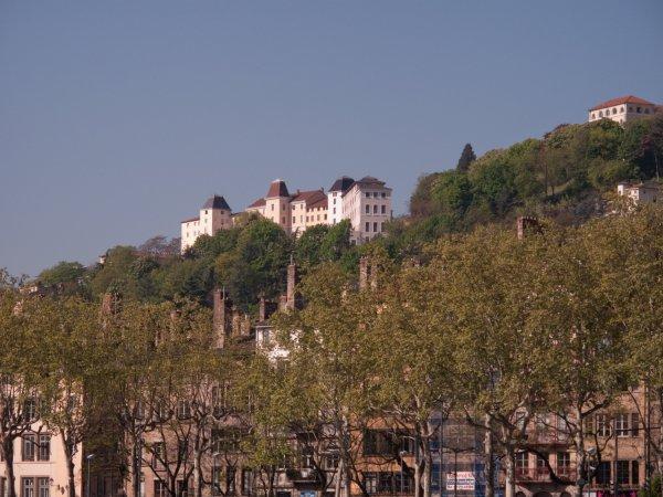 Fourvière vue du quai Saint-Antoine