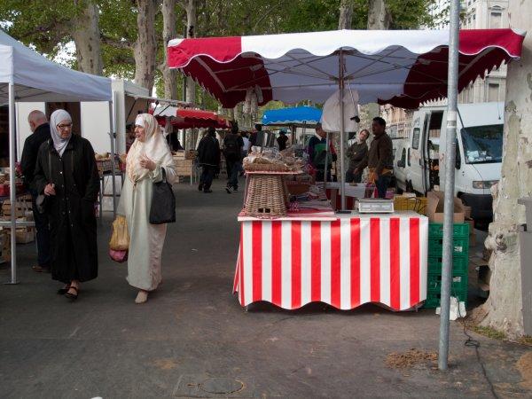 Le Marché sur le quai Augagneur