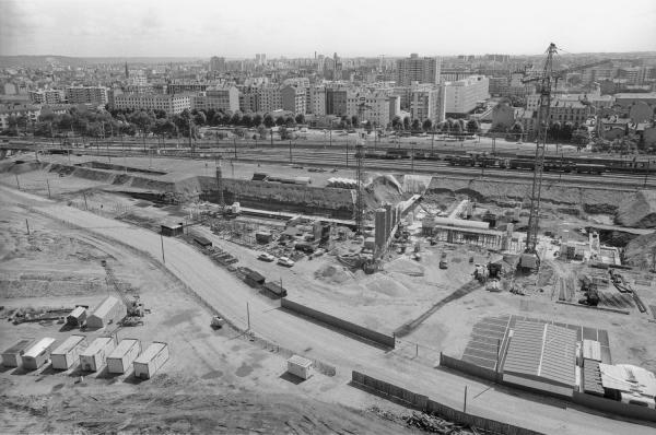 [Préparation du terrain pour la construction de la nouvelle gare de Lyon Part-Dieu]