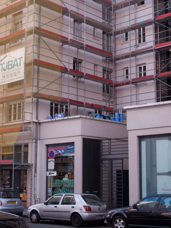 Un des Gratte-ciel après le ravalement sur la rue Paul-Verlaine