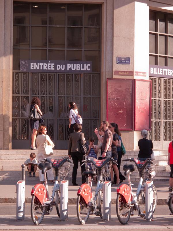 La Bourse du Travail vue depuis la rue Moncey
