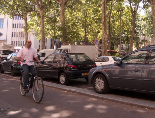 Rue de la Part-Dieu : piste cyclable et cyclistes