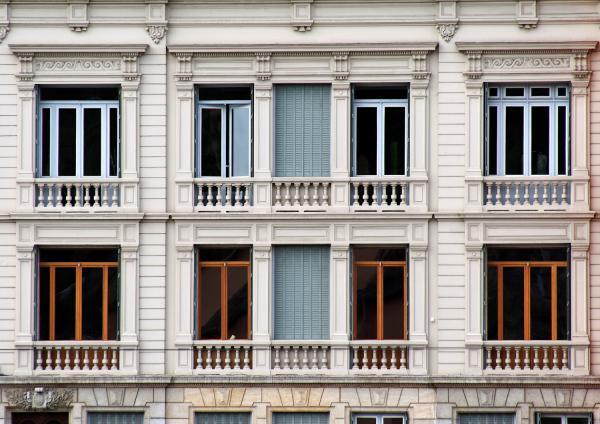 Fenêtres et façades en bord de Saône 02/10 : Classicisme