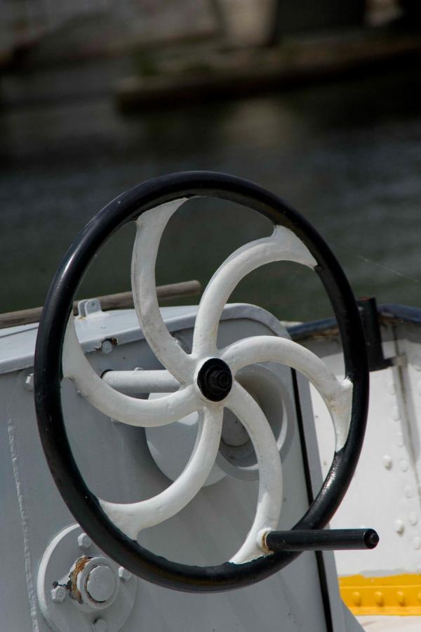 Ronds de Saône 09/10 : Un volant de manoeuvre de treuil