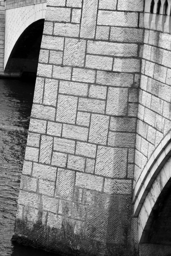 Ponts et passerelles 25/39 : Bornes de trottoir...