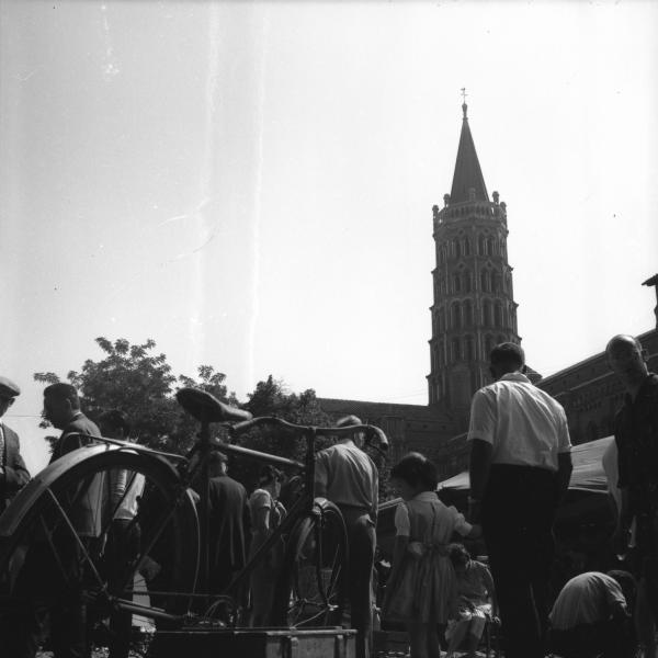 [Clocher de la cathédrale Saint-Etienne de Toulouse ]