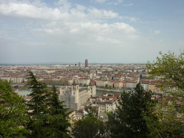 Vue de Lyon depuis la Montée du Chemin neuf