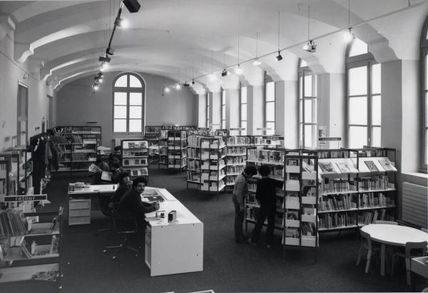 [Salle des enfants de la bibliothèque du 1er arrondissement]