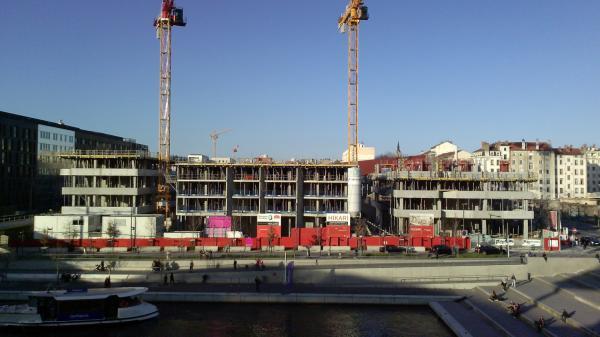 "[Immeuble ""Hikari"" en construction]"