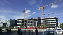 "[L'immeuble ""Hikari"" en construction]"