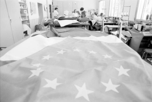 [Fabrique de drapeaux Manufêtes à Tain-l'Hermitage]