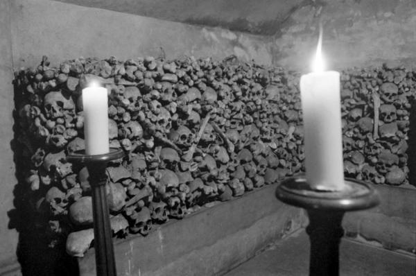 [Crypte et ossuaire de la Chapelle des Brotteaux]