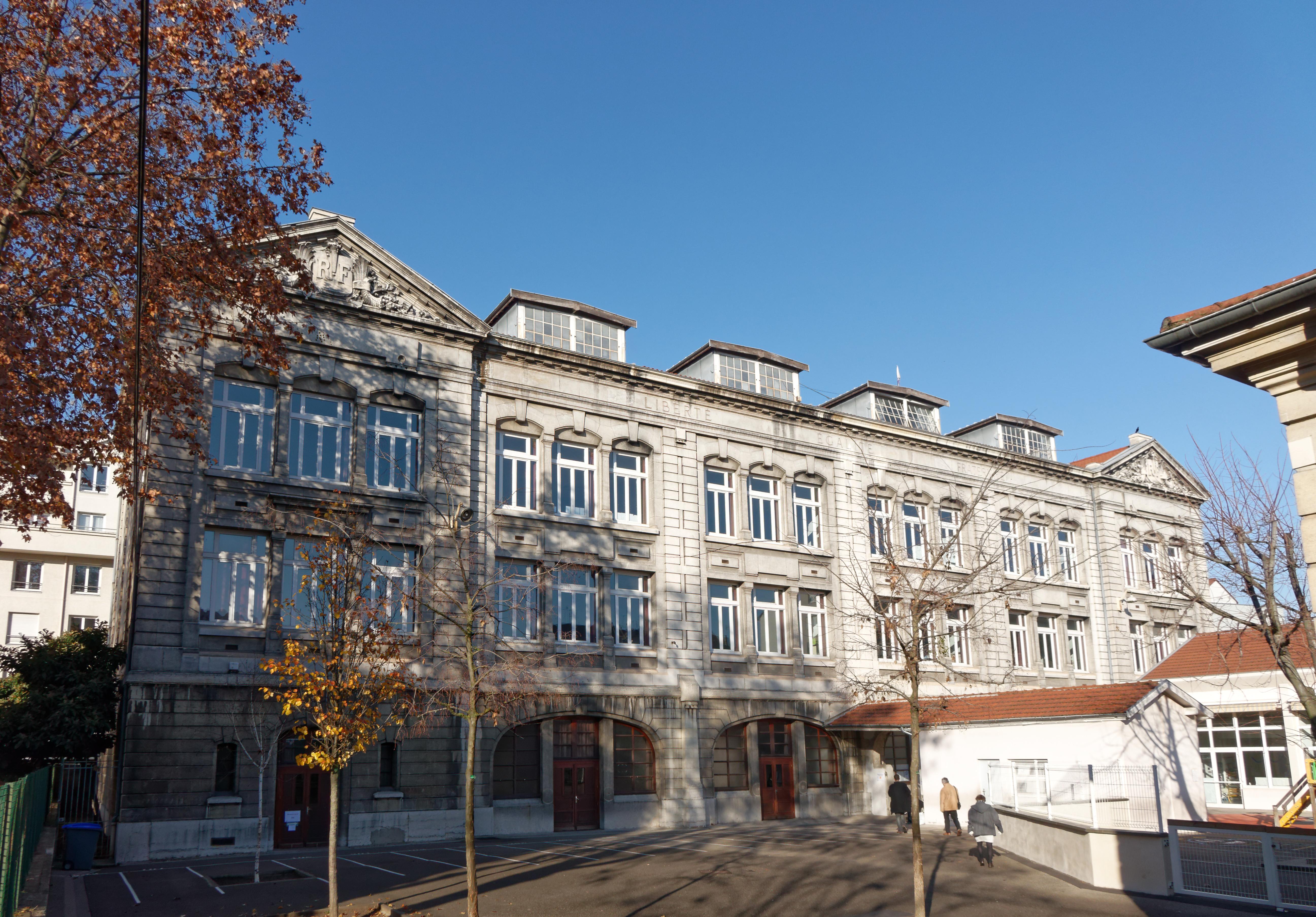 Ecole Paysagiste Lyon en ce qui concerne photographes en rhône-alpes::l'ecole meynis