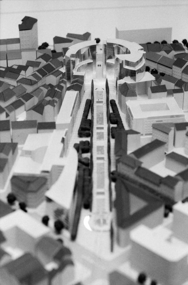 [L'axe Moncey et le Clip de la place Gabriel-Péri (maquette)]