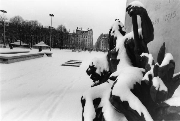 [La place Bellecour sous la neige]