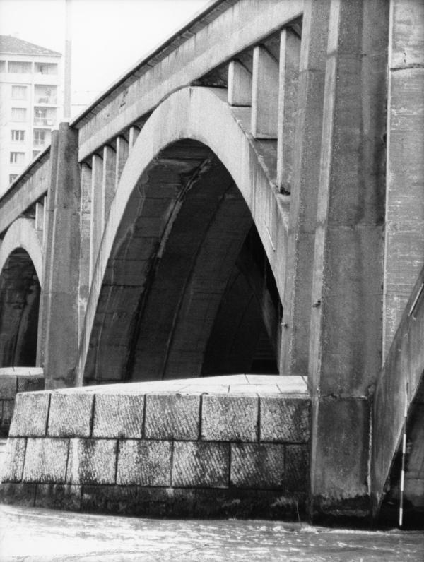 [Pile du pont Pasteur (rive droite)]