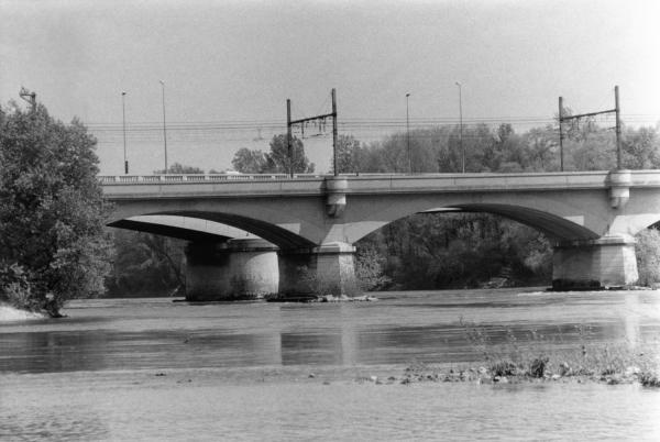 [Pont Raymond Poincaré et viaduc SNCF]