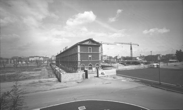 Quartier de La Part-Dieu : Caserne des Cuirassiers avant démolition