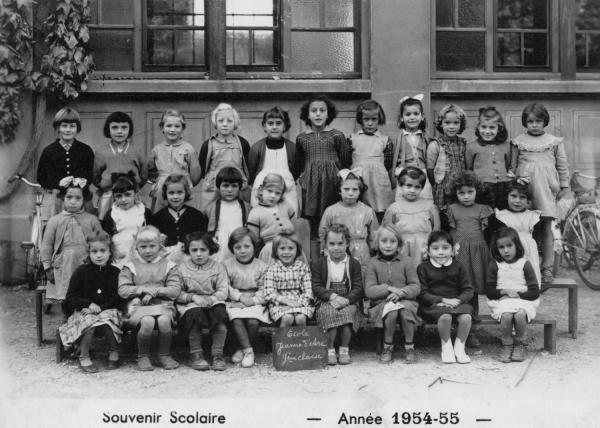[Souvenir scolaire : école Jeanne-d'Arc à Vaulx-en-Velin, 9e classe (année 1954-1955)]