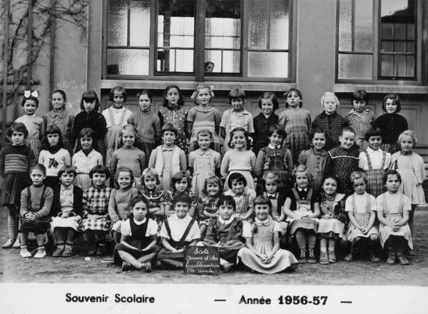 [Souvenir scolaire : école Jeanne-d'Arc à Vaulx-en-Velin, cours élémentaire - 2e année (année 1956-1957)]